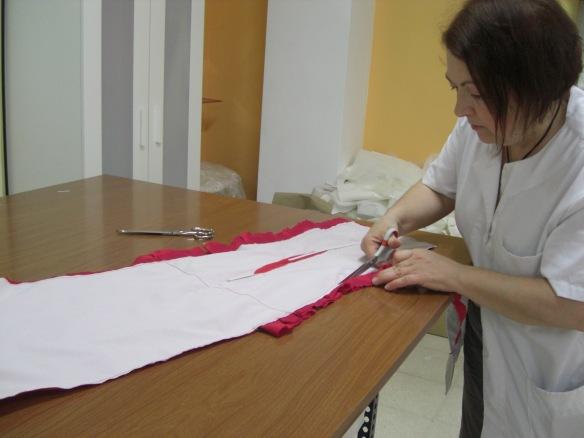 Aquí   se afina el patrón del vestido