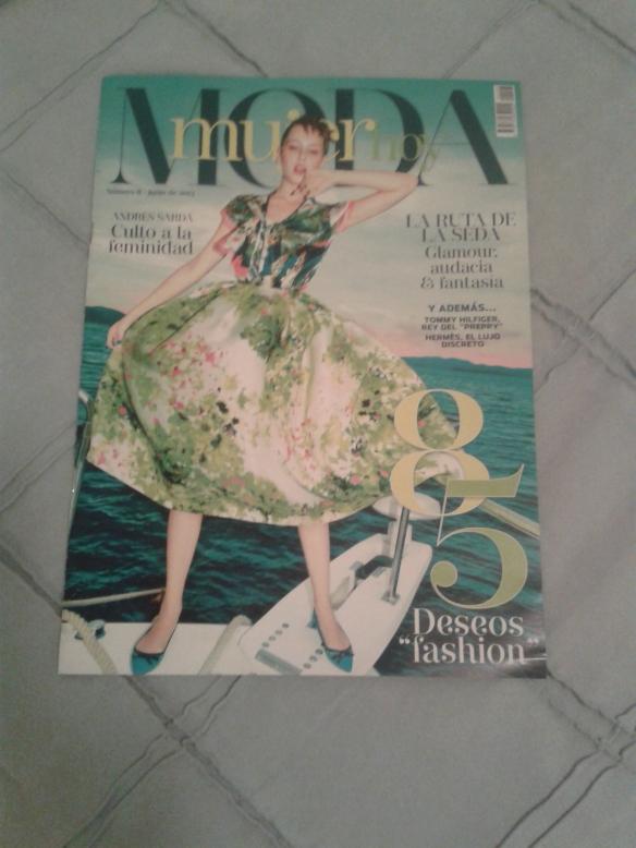 Portada de La Vanguardia (MODA mujer hoy) de Junio de 2013