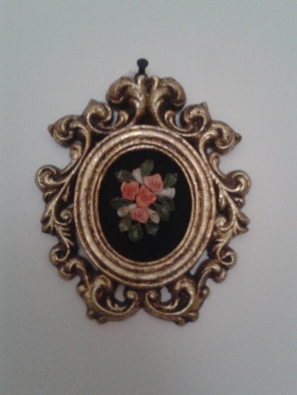 Cuadro con flores en miniatura realizado por mi hermana