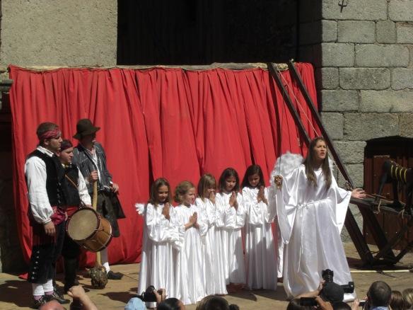 El arcángel San Miguel  con sus siete virtudes