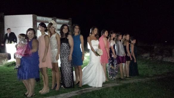 Las amigas de la novia y Ella.