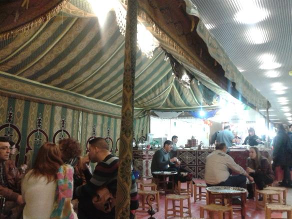 Un té en una Jaima árabe, era lo ideal en ese momento, y justo allí me senté.