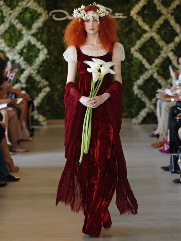 Vestido de inspiración medieval, de Oscar de la Renta.